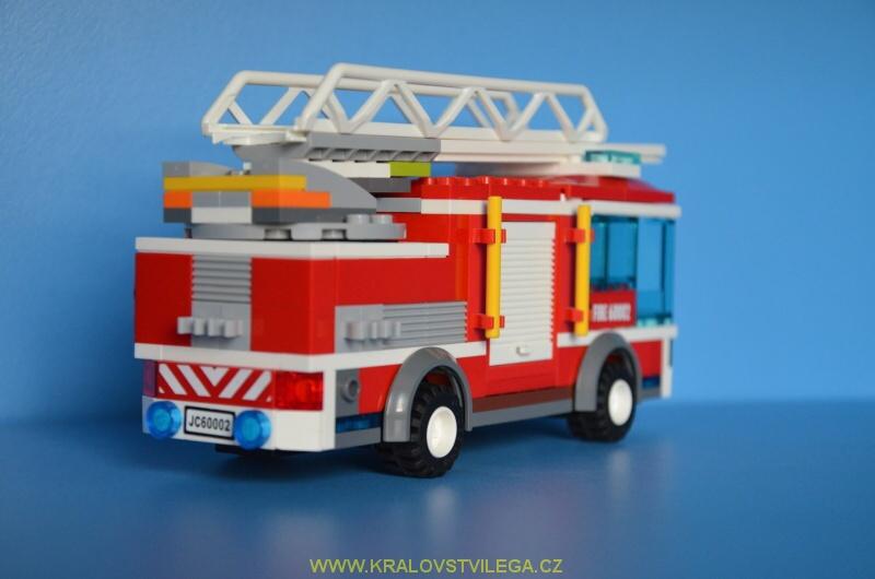 lego city 60002 hasiči 3