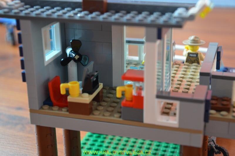 Lego City 60069 stanice speciální policie 04