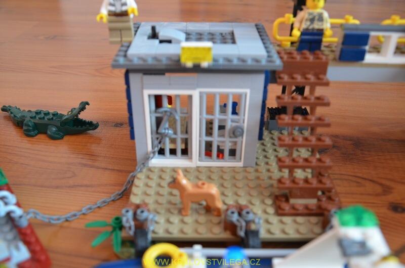 Lego City 60069 stanice speciální policie 07